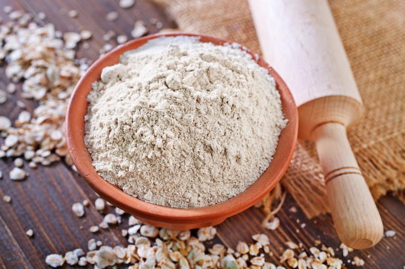 Zrób domową mąkę owsianą /123RF/PICSEL