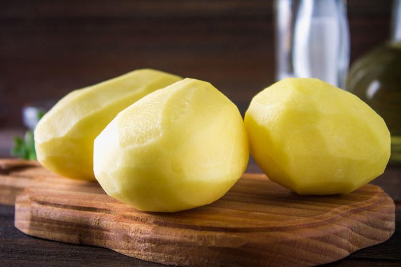 Zrób maseczkę z ziemniaka /©123RF/PICSEL