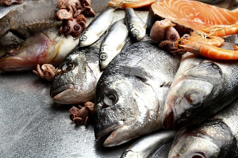 Źródłem kwasów omega-3 są ryby /©123RF/PICSEL