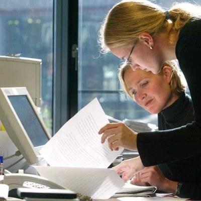 Zrzeszanie się firm w klastry pozwala uzyskać dofinansowanie z UE /AFP