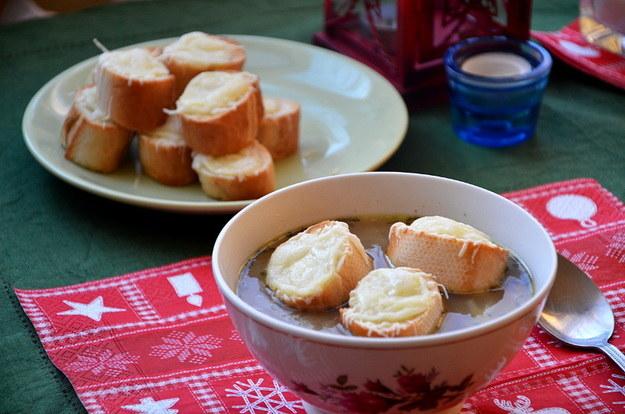 Zupa cebulowa, palce lizać! fot. Malwina Zaborowska /RMF24