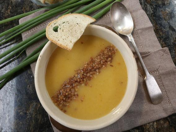 Zupa cebulowa z kaszą /Polsat