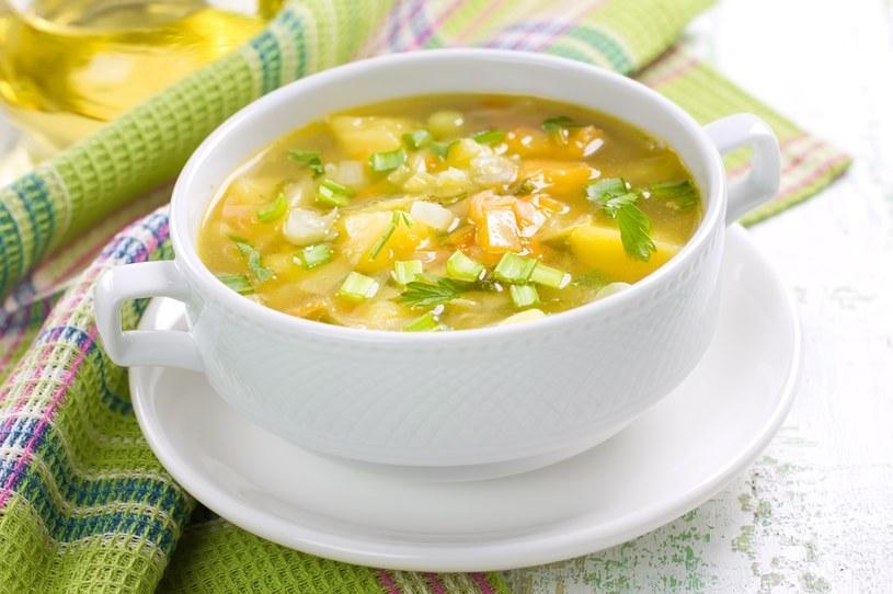 Zupa fasolowa to idealny pomysł na obiad /123RF/PICSEL