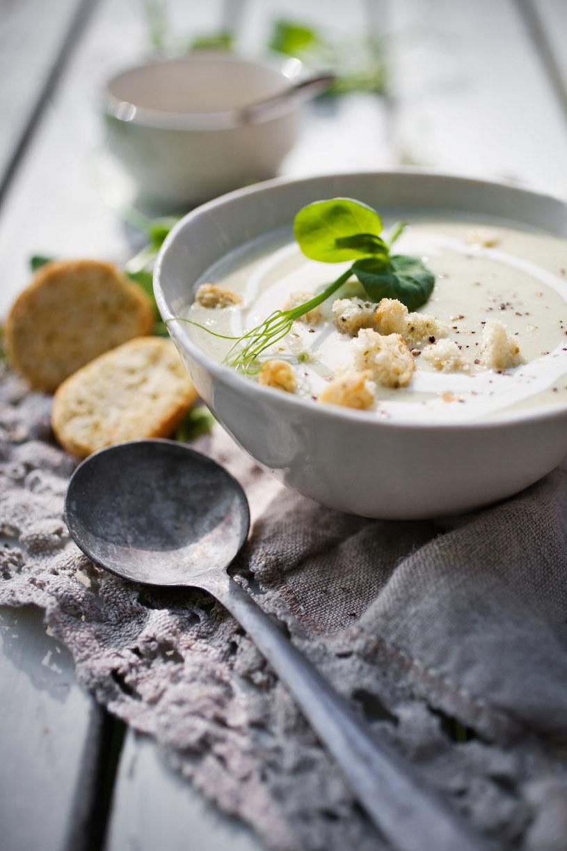 Zupa krem z grochu i kalafiora /123RF/PICSEL