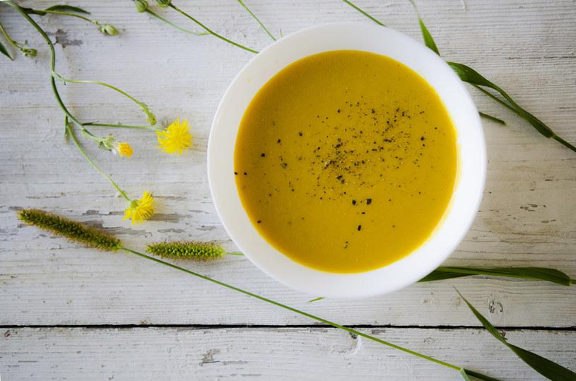 Zupa krem z marchewki jest lekkostrawna i pyszna /INTERIA.PL