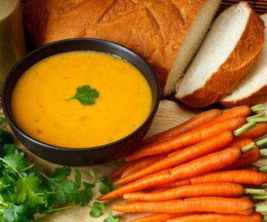 Zupa marchewkowa z kurkumą: Jak działa?