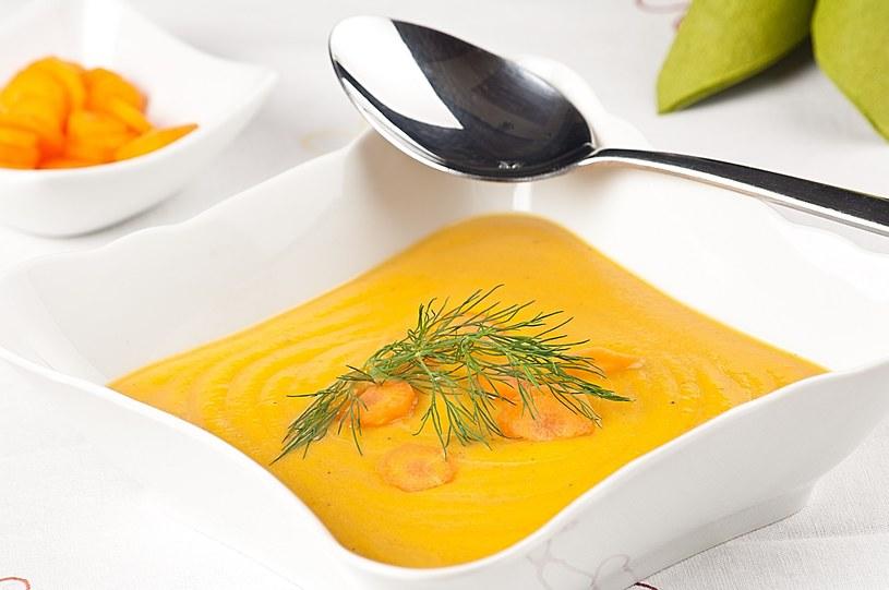 Zupa marchwiowa z mlekiem kokosowym /materiały prasowe