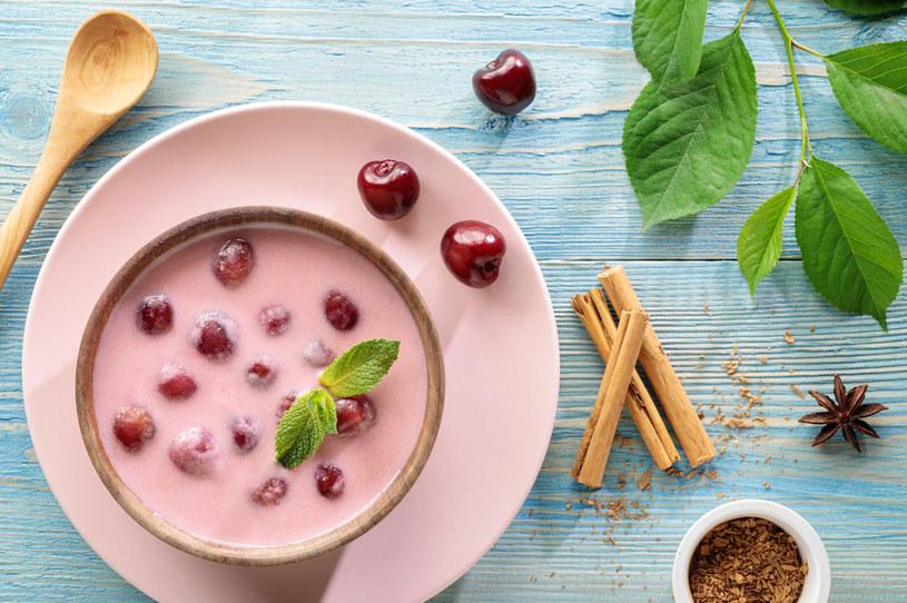 Zupa na bazie wiśni i śmietany /123RF/PICSEL