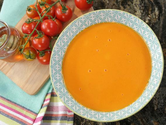 Zupa pomidorowa dla dzieci /Polsat