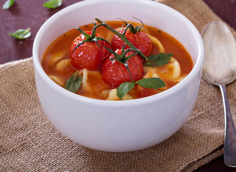 Zupa pomidorowa z makaronem /123RF/PICSEL
