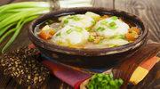 Zupa rybna pachnąca kolendrą