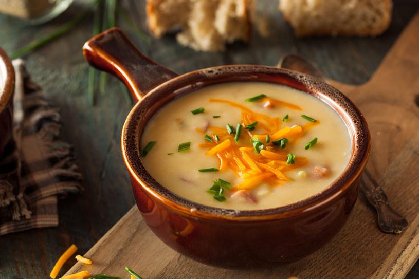 Zupa serowa jest niezwykła /123RF/PICSEL