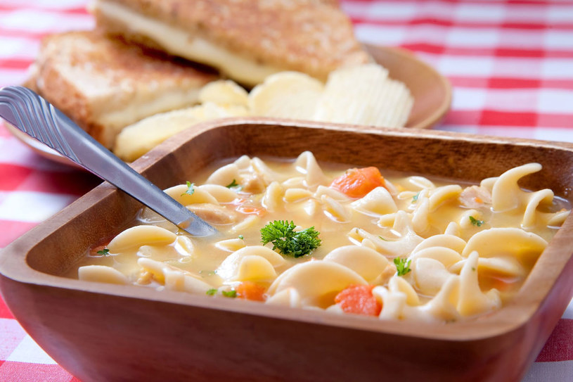 Zupa serowa /123RF/PICSEL