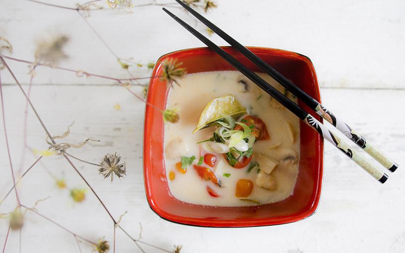 Zupa tajska zachwyci amatorów pikantnego smaku /INTERIA.PL