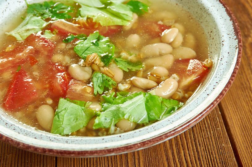 Zupa toskańska z jarzynami i fasolką /123RF/PICSEL