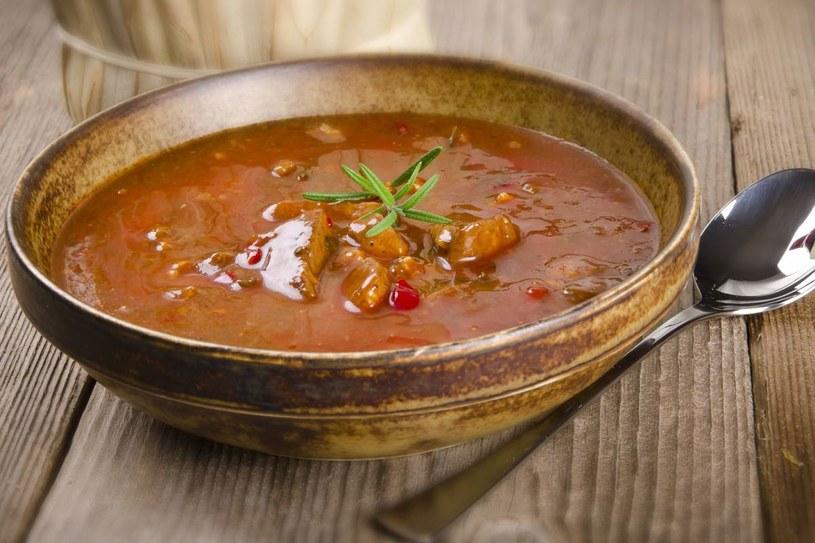 Zupa węgierska /123RF/PICSEL