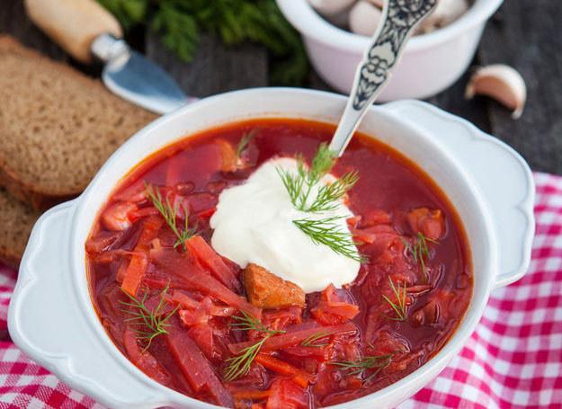 Zupa z botwinki /123RF/PICSEL