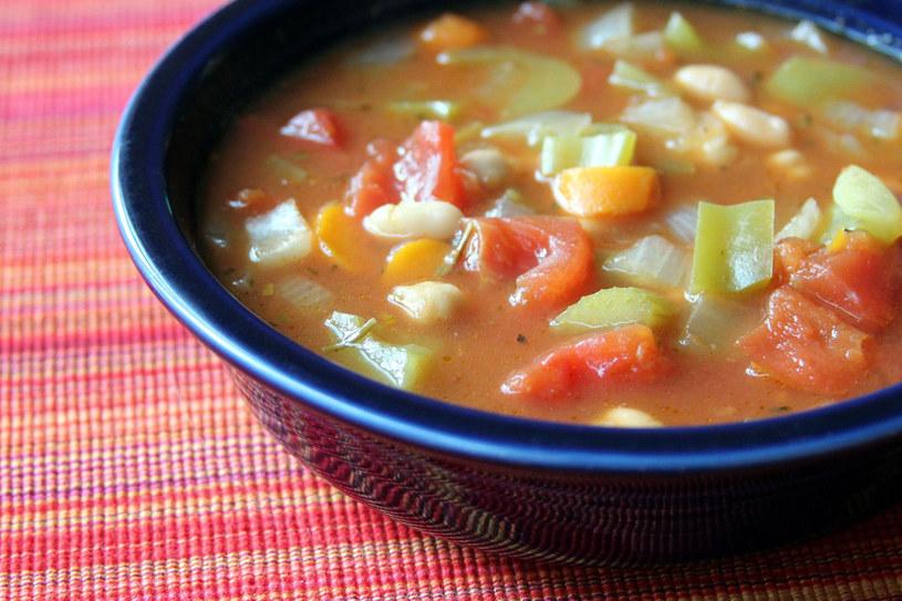 Zupa z fasolką /123RF/PICSEL