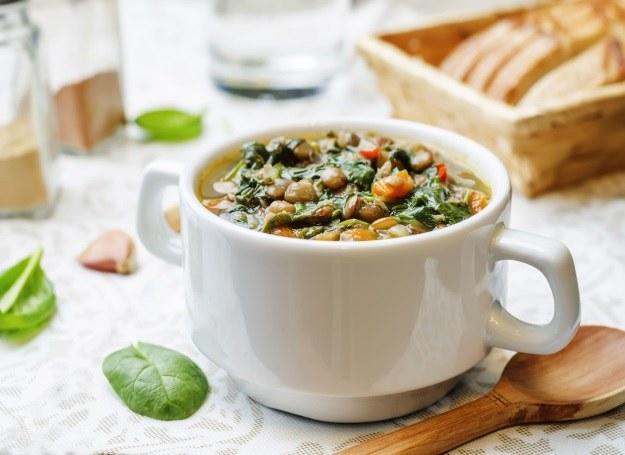 Zupa z soczewicą - wyjątkowo sycąca! /123RF/PICSEL