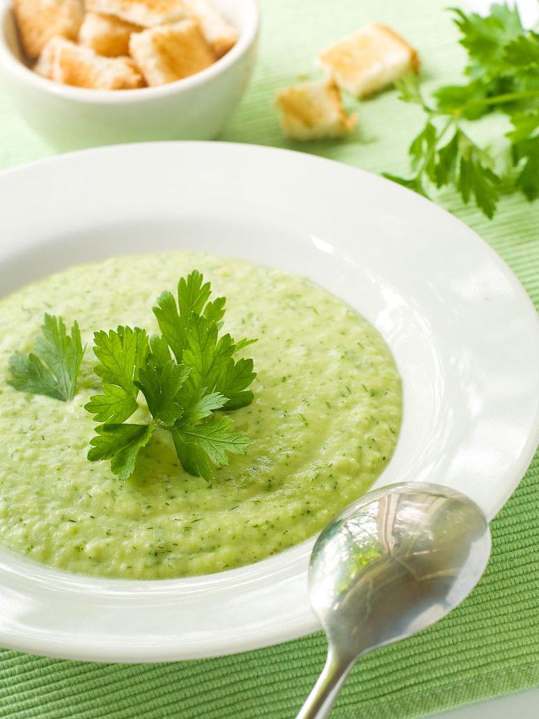 Zupa z zielonego groszku /123RF/PICSEL