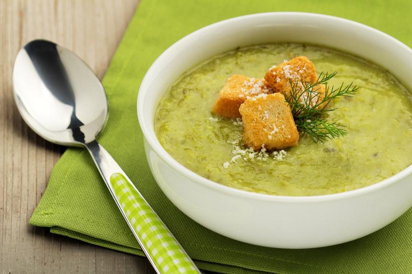 Zupa z zielonych warzyw /123RF/PICSEL