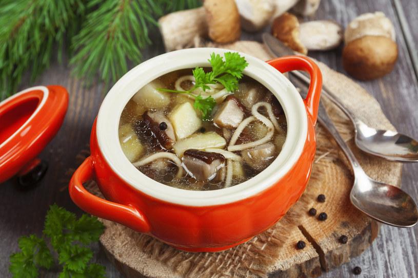 Zupa ze świeżych grzybów /123/RF PICSEL /123RF/PICSEL