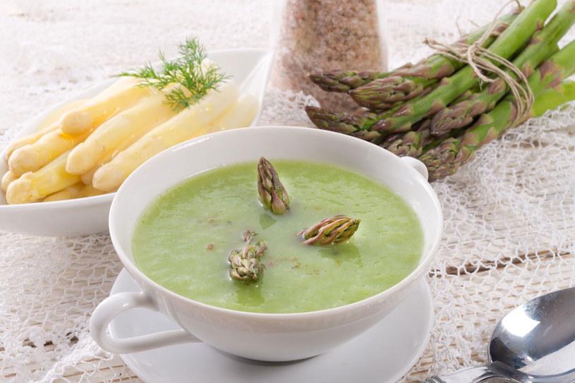 Zupa ze szparagów /123RF/PICSEL
