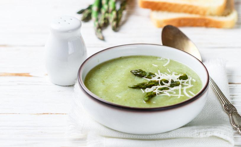 Zupa ze szparagów /materiały prasowe