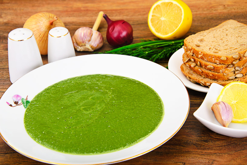 Zupa ze szpinaku /123RF/PICSEL