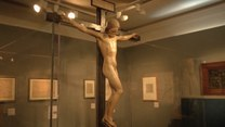 Zupełnie nagi Chrystus. Ta rzeźba wzbudziła sensację