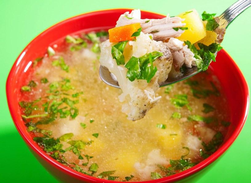 Zupy oparte na młodych warzywach - szparagi, botwinka, gazpacho, bo świetnie chłodzą w upalne dni /Picsel /123RF/PICSEL