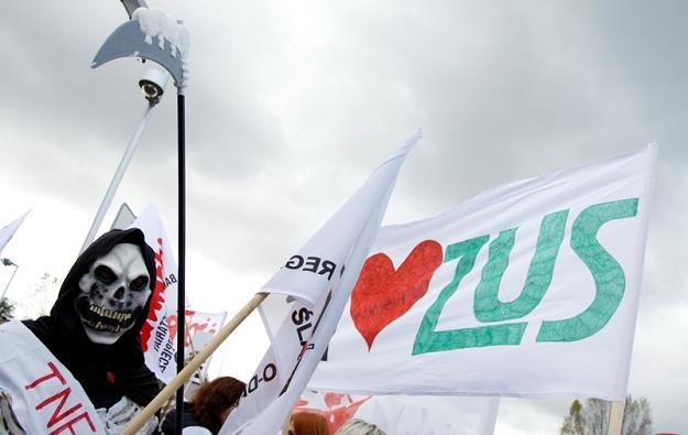 ZUS wstrzymuje chorobowe... Fot. Adam Guz /Agencja SE/East News