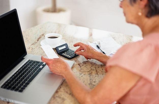 ZUS wypłaci Polakom wszystkie emerytury zawieszone od 1 października 2011 r. /©123RF/PICSEL