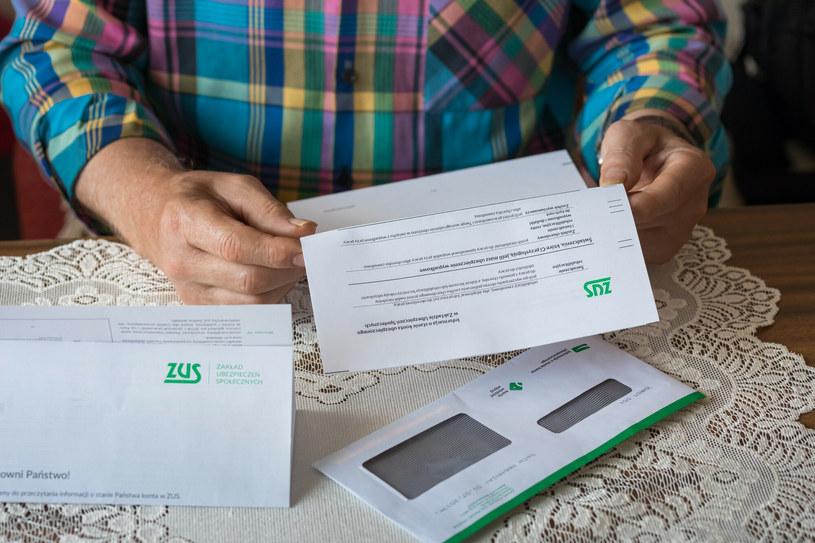ZUS wysyła deklaracje PIT za 2020 r. dla emerytów i rencistów /Arkadiusz Ziółek /East News