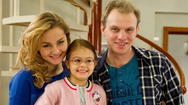 Zuza zabroni Kamilowi mówić o tym, że mała podjada słodycze, czym naraziła swoje zdrowie. — I tak nikt mnie nie chce, bo jestem chora — powie Ula. /x-news/ Radek Orzeł /TVN