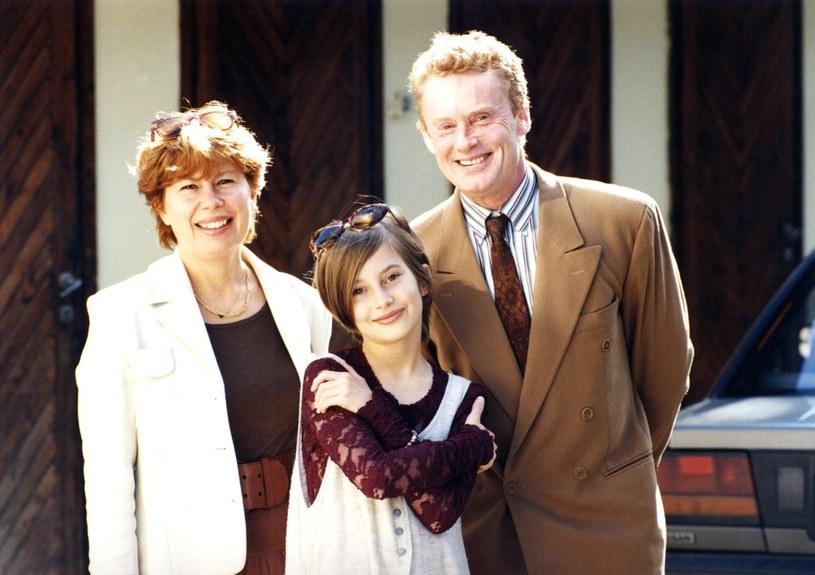 Zuzanna Łapicka-Olbrychska i Daniel Olbrychski z córką Weroniką, 1994 r. /Zenon Zyburtowicz /Reporter
