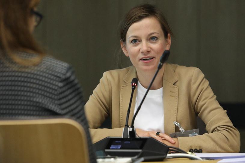 Zuzanna Rudzińska-Bluszcz na posiedzeniu komisji /Fot Tomasz Jastrzebowski /Reporter