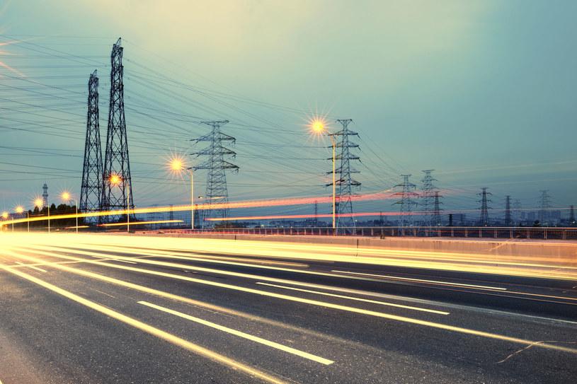 Zużycie prądu rośnie pomimo lockdownu Fot. Liu Fuyu /123RF/PICSEL