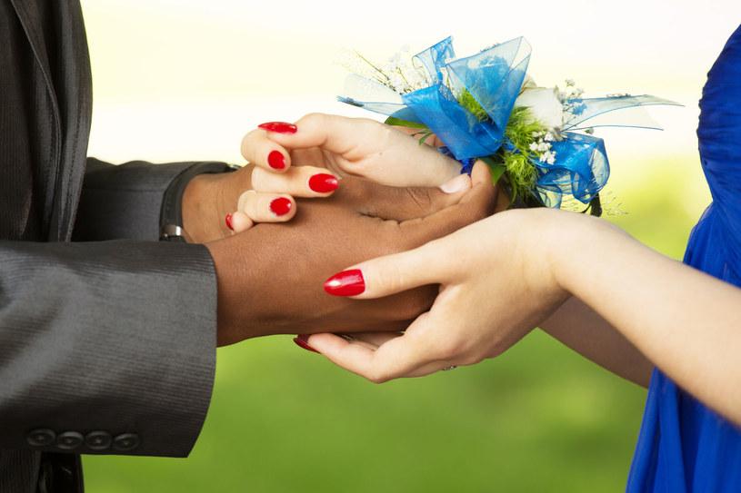 Związek z osobą pochodzącą z innej kultury ma swoje plusy i minusy /123RF/PICSEL