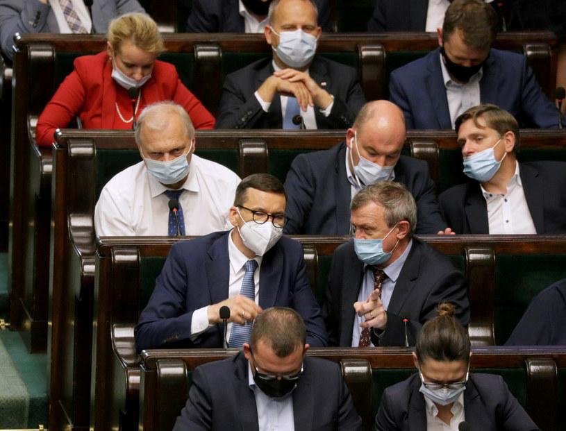 Związki oburzone podwyżkami dla polityków. / Jakub Kamiński    /East News