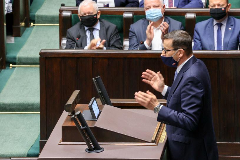 Związki: Podwyżki dla polityków niemoralne /Jacek Domiński /Reporter