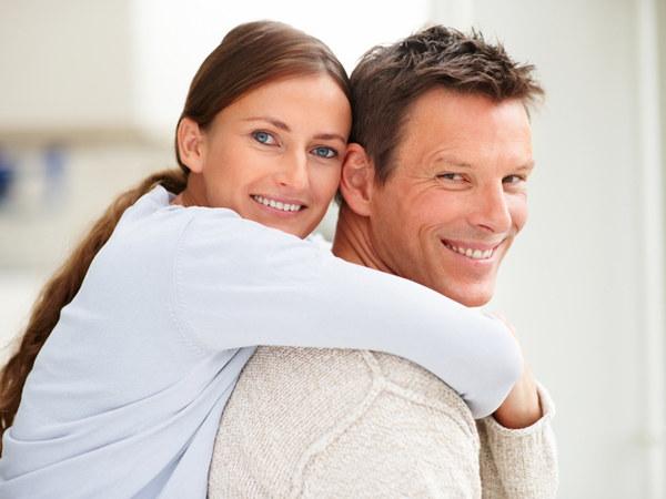 Związki z bliskimi można umieścić na liście czynników decydujących o tym, czy ktoś będzie żył dłużej  /© Panthermedia