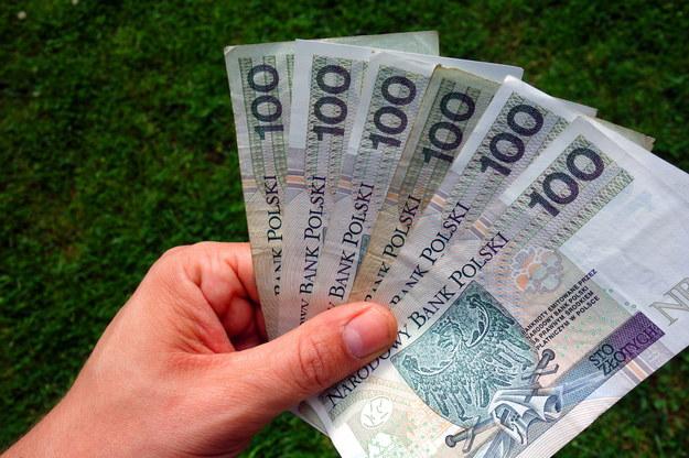 Związki zawodowe i pracodawcy nie mogą się porozumieć w sprawie podwyżki najniższego wynagrodzenia /123RF/PICSEL