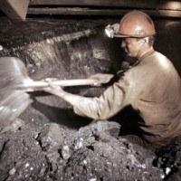 Związkowcy chcą rozmawiać m.in. o sprawach bezpieczeństwa pracy i zarządzaniu spółkami węglowymi /AFP