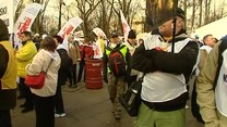 Związkowcy protestują pod Sejmem
