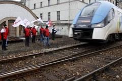 Związkowcy wyszli na tory w pobliżu Katowic