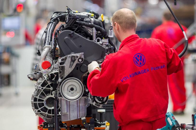 Związkowcy z VW Polska dogadali się z zarządem w sprawie warunków pracy /Jakub Walasek /Reporter
