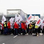 Związkowcy zablokowali dwie ważne drogi w regionie