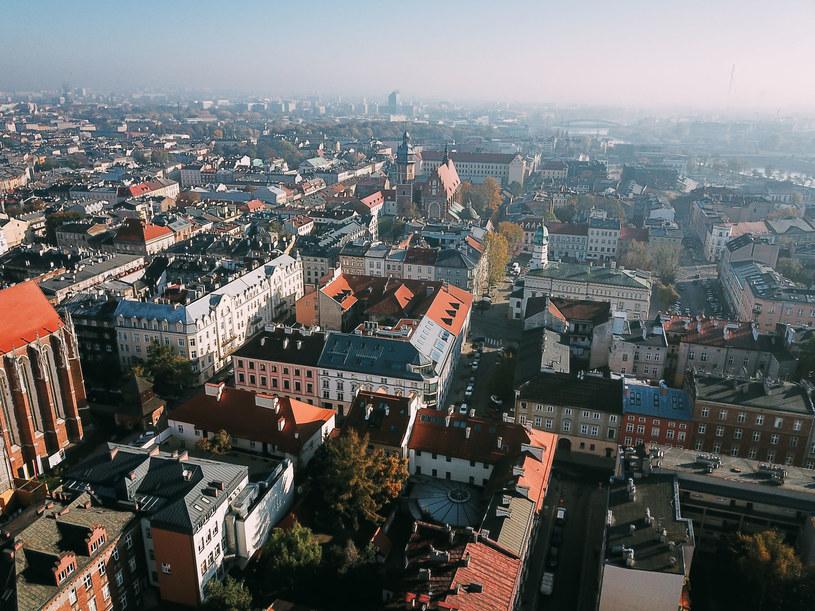 Zwiększenie efektywności energetycznej budynków ma duże znaczenie w osiągnięciu neutralności klimatycznej /123RF/PICSEL