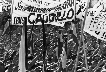 Zwolennicy gen. Franco podczas demonstracji w 1973 roku /AFP
